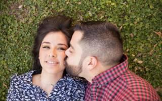 Что значит если парень целует в. В каких случаях уместен поцелуй в щечку? Поцелуй в ушко – давай поиграем