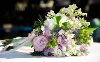 С какими словами подарить цветы девушке. Когда лучше преподнести букет цветов девушке? Какие букеты дарить