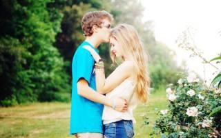 Как научиться целовать парня в губы. Когда можно начинать целоваться. Правильное положение головы