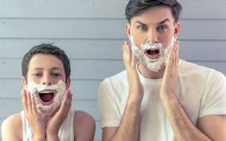 Первые усики. Из подростка в взрослого мужчину: во сколько лет можно брить усы мальчикам