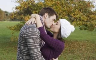 Почему моя девушка не может. Моя девушка меня не хочет целовать
