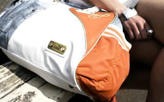 И в пир, и в мир, и в добрые люди: критерии выбора спортивной сумки. Спортивные сумки для женщин, какой фасон выбрать, чтобы выглядеть стильной, а не челночником. Женские сумки в спортивном стиле, благодаря разнообразию форм и размеров, подходят не только