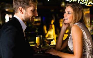 Как понять что ты действительно нравишься мужчине. Как с первого взгляда понять, что ты нравишься парню: изучаем мужскую психологию